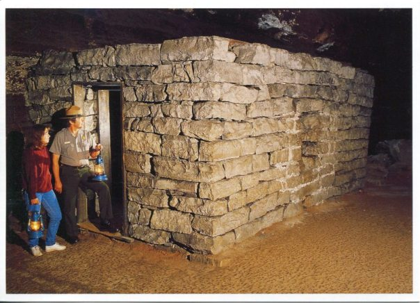 usa-kentucky-mammoth-cave-np-tb-huts_rememberingletters.wordpress.com